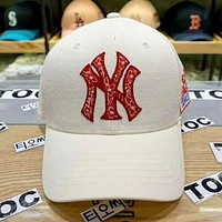 MLB 2019 new three-dimensional embroidery letters for men and women baseball cap white