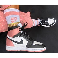 elainse29 NIKE AIR JORDAN 1 High Retro Black Toe Basketball shoes nude pink tail