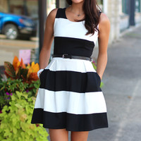 Breaking Out Belted Dress {Black+White}