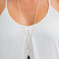 Quatrefoil and Black Stone Necklace in Gold