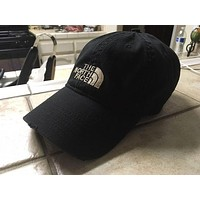 The North Face Embroidered Baseball Caps Hats mieniwe?