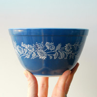 Vintage Pyrex Bowl Cornflower Colonial Mist Blue and White French Daisy Mixing Bowl