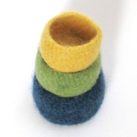 Felted bowls  Lopi family  Block colors  Green by theYarnKitchen