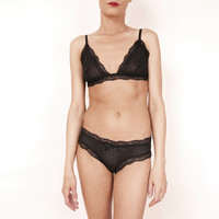 Black Lace Lingerie set, Triangle Bra with Bikini Style Panties. size s-xl