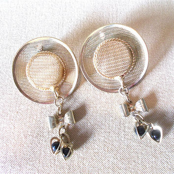Vintage 80's Gold Mesh Hat Post Earrings w/ 3D Open Heart Charms & Bows, Retro Style Fashion Jewelry Simple Modest Unique Ladies Gift Look