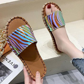 New color-changing reflective car stitching plus size flip-flop