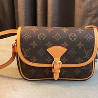 LV marel classic presbyopia women's shoulder messenger bag
