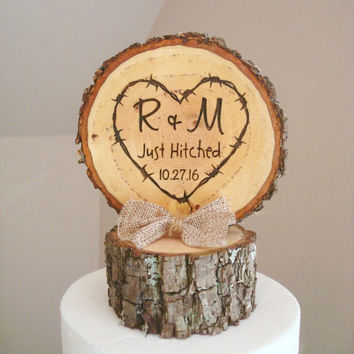 Rustic Wood Wedding Cake Topper, Just Hitched Cake Topper, Tree Slice Topper, Custom Cake Topper,  Country Cake Topper, Rustic Wedding Decor