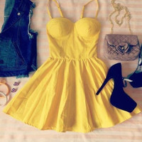 HOT STRAPLESS CUTE DRESS