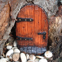 Fairy Door with Step. The Leddiq Door.   Fairy Garden - Die Stone Cast. (FRB)