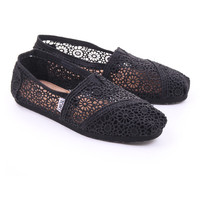 Black toms womens classic morocco crochet by toms £45.00