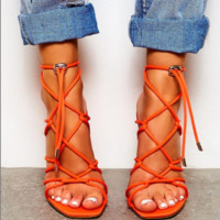 Hot style is a hot seller of high-heeled cross-cut Roman cutoutsc