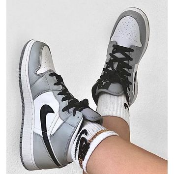 Air Jordan 1 Mid AJ1 NIKE hot sale couple color block high-top sneakers Shoes