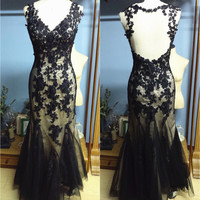 Real Photo Women's V-neck Fit to Flare Backless Floor Length Black Lace Formal Occasion Evening Party Dress Prom Gown with Size Zip (O031)