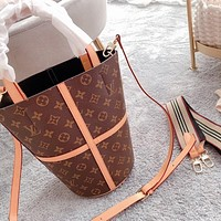 Louis Vuitton LV Bucket Bag Shoulder Messenger Bag