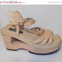 Vintage clothing SALE Vintage 90's sandals shoes   size 8   US       chunky wedge
