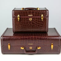 Vintage Samsonite Train Case / Brown Alligator Luggage Suit Case - 1940s / Luggage for Home Decor, Storage, or Stacking Suitcase