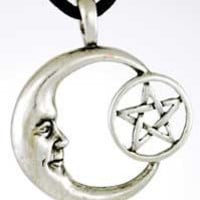 Pentacle Moon Amulet Pendant Necklace Wicca Crescent Moon Pentagram