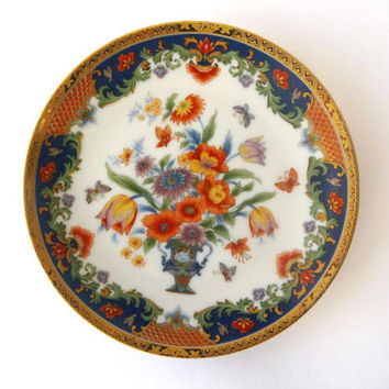 Small Porcelain Decorative Plate with Flowers and Golden Edges - Vintage Japan