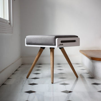 NEW !! Stool / Seat / stool / Ottoman / bench in white lacquer and oak legs