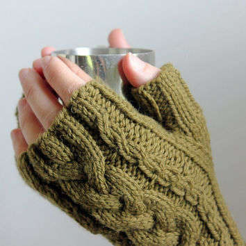 Hand Knit Christmas Gloves Gift, Cable Knit Arm Warmers, Green Wool Gloves, Knit Fingerless Gloves in Christmas Colors