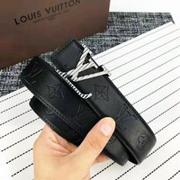 LV 2018 new trend letter embossed men's casual wild smooth buckle belt