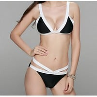 Hot contrast show thin two piece bikinis swimwear bath suit