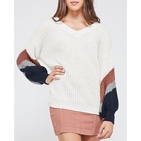 Final Sale - Colorblock Sleeved Chunky Knit V-Neck Sweater - Ivory/Brick