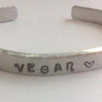 Vegan jewellery | Gift for vegan | Vegan gift | Vegan bracelet | Love animals | Inspirational jewellery | Awareness jewellery