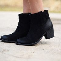 Short and Sweet Booties - Black