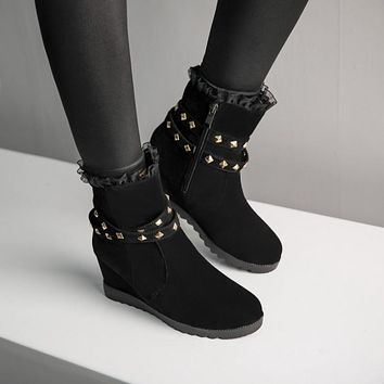 Women's Lace Rivets Wedge Heeled Short Boots