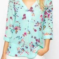 Floral Printed V-Neckline Long Sleeve Blouse