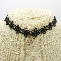 Vintage Velvet Choker Necklace for Women Girls Gothic Choker Tattoo Simple Fashion Choker Jewelry +Gift Box