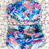 Cupshe Fairy Beside Sea Floral Bikini Set