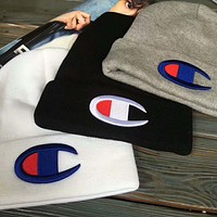 Champion knitted cold hat small letter embroidery section F Black