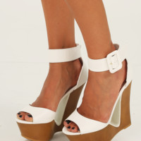 Catch The Wave Wedges: White