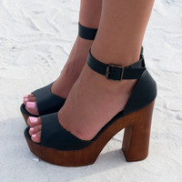Catalina Bay Black Platform Sandal
