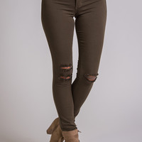 Star Of the Season Distressed KanCan Jegging (Olive)