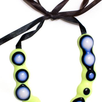 Curvature Necklace, bright green