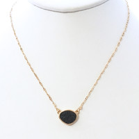 Little Stone Necklace Set In Black