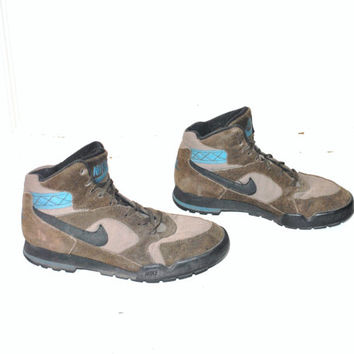 size 9 vintage NIKE hiking boots early 90s GRUNGE unisex suede + canvas hi top HIKERS