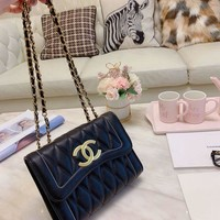 140 Fashion Classic Chain Shoulder Bag Crossbody Pouch Flap Bag Quilted Baguette Bag 22-16cm