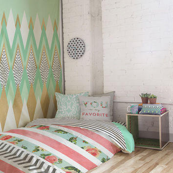 Minty Floral Room Cube