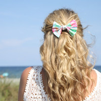 Lilly Pulitzer Fabric Large Bow with White Preserved Real Starfish - Alligator Clip