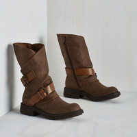 Military Tricks of the Travel Boot in Brown