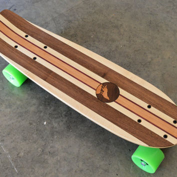 """22 inch Mini Penny kicktail Skateboard """"Honolua Bay"""" with wolf inlay, complete"""