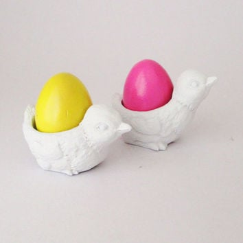 Easter, 2 Egg Cups, Chicken, Kitchen Decor, Easter Eggs, Painted Eggs, Easter Decorations, Home Decor, Chickens, Kitchenware, Baby Chickens,