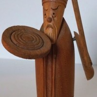 Brian Boru King Lion of Ireland Wooden Carved Figure Sword Shield Viking Battle