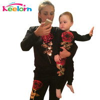 Keelorn 2016 New Winter Style Family Matching Outfits Mother And Daughter Long Sleeve Rose Floral Sweatshirt+Pants 2Pcs Suit