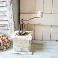 Vintage Coffee Grinder, Cream Wooden Coffee Mill Shabby Chic Manual Coffee Grinder Small Rustic White Coffee Grinder Farmhouse Kitchen Decor